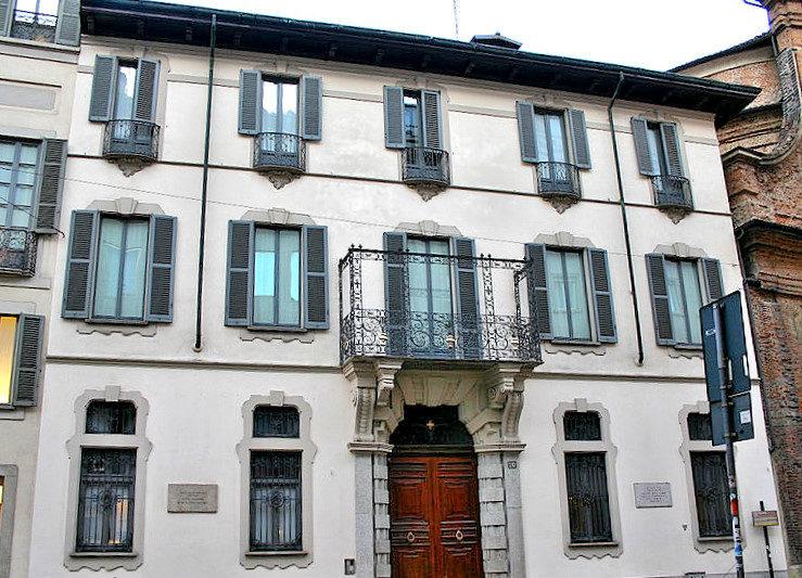 Palazzo Toscanini.jpg