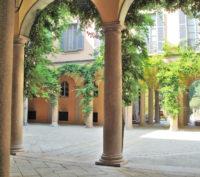 Palazzo Borromeo (1).jpg