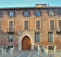 Palazzo Borromeo (3).jpg